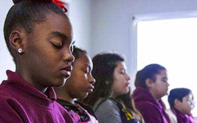 Transzendentale Meditation – ein Mittel gegen Stress an Schulen