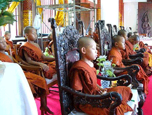 Young-Buddhist-monks-mditating-298-225